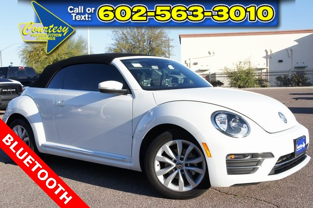 Pre-Owned 2017 Volkswagen Beetle 1.8T Classic